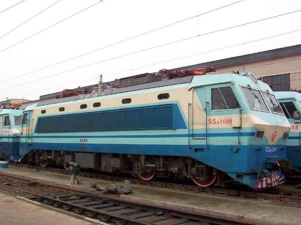 2000系(ss8 2000)型电力机车